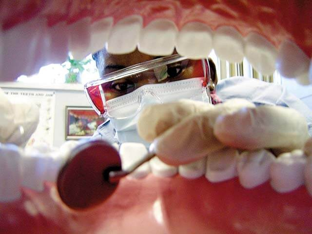 dentist check gum health